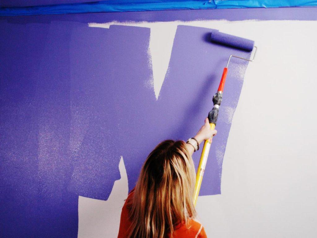 Самостоятельная покраска комнаты