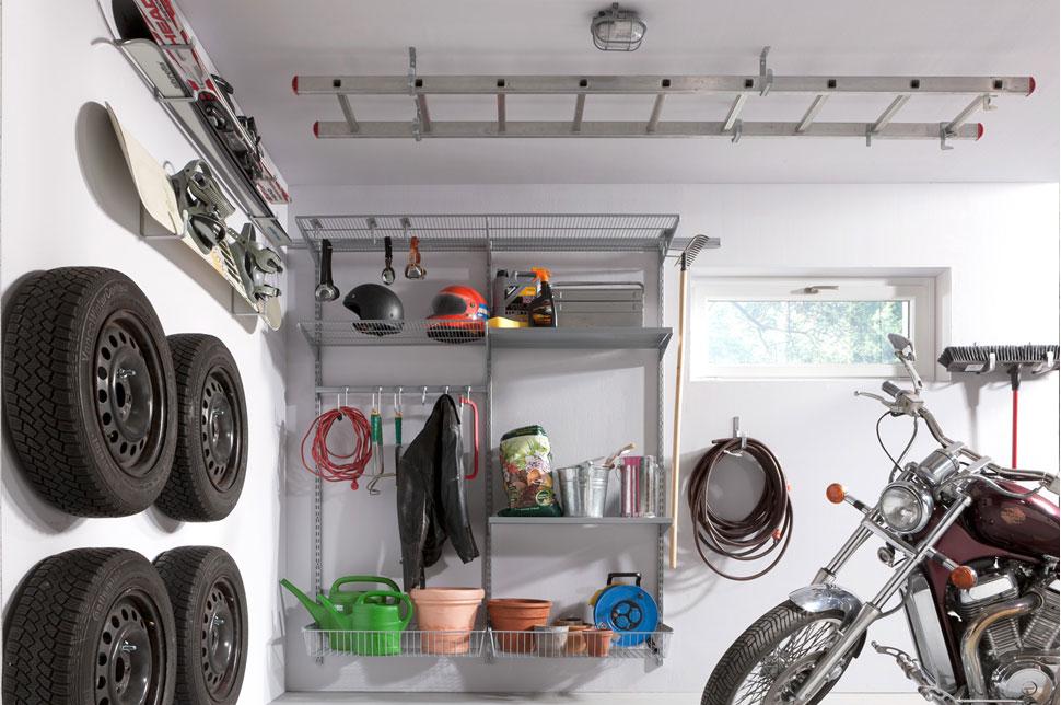 Как организовать место для хранения вещей в гараже?